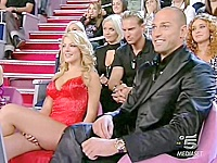 The blonde super star got on the tv show. She made a mistake when put on that mini dress. Sitting in front of the cameras she got her panty up skirt seen.