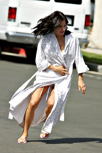 Public street ups of Courtney Cox