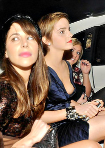Emma Watson gets downblouse spied