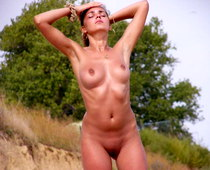 Nudism fan hottie