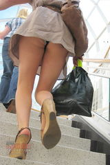 Mall upskirt pictures
