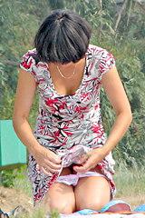 0706-sexy-bikini-girls-have-picnic-in-the-park