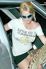 Britney-Spears-Upskirt2