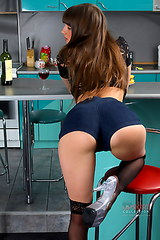 0101 Girl in shorts Melena hot dance