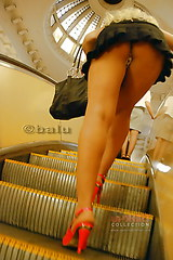 2167 Up the stairs upskirt