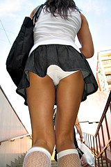 mix upskirt0356-upskirt-girls-wave-their-butts
